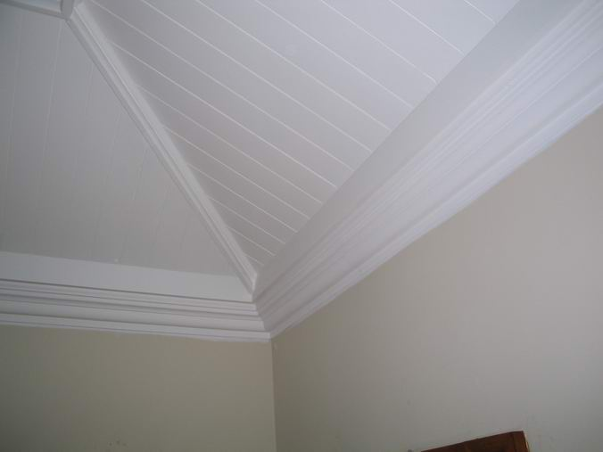 Victoriana cornice blends with the ceiling trim on this painted tongue ...